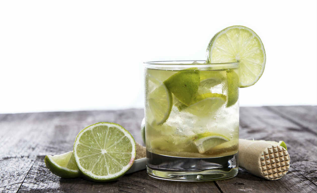 Caipirinha history and recipe - How to make a Caipirinha cocktail ...